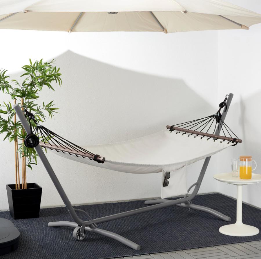 Terraza con hamaca de IKEA