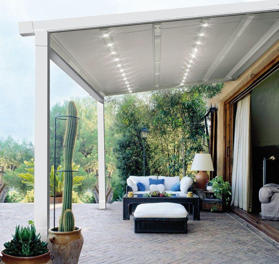 Terraza con pérgola con luz LED