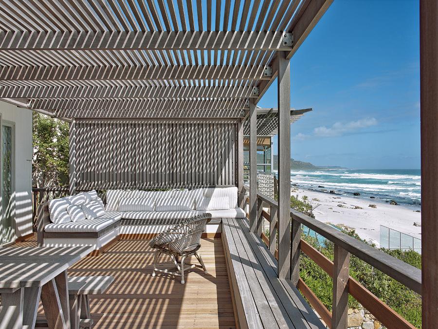 10 terrazas y patios que merecen un 10 ideas decoradores - Pergolas de madera para terrazas ...