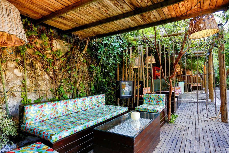 Terraza con pérgola de madera