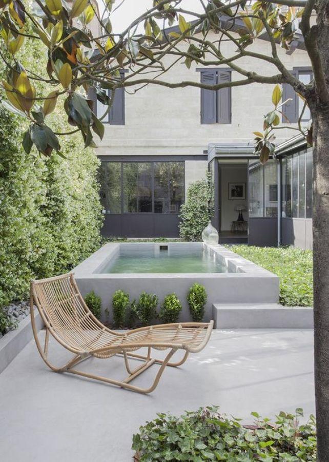 Microcemento en la terraza 5 ideas para introducirlo sin - Piscina pequena terraza ...