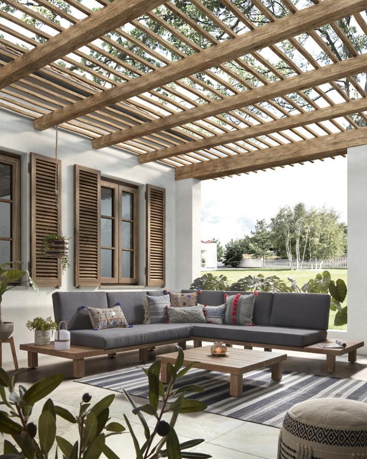Terraza con sofá rinconera