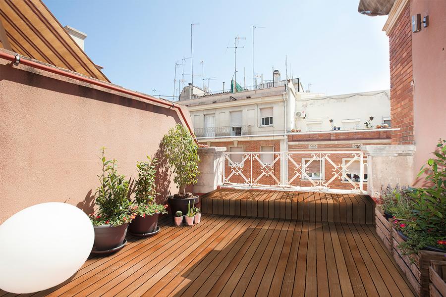 Foto terraza con tarima para exteriores de lola mulledy - Tarima para exteriores ...