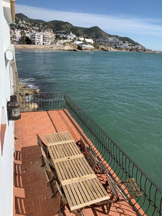 Terraza en la q se puede ver la balconera a sustituir