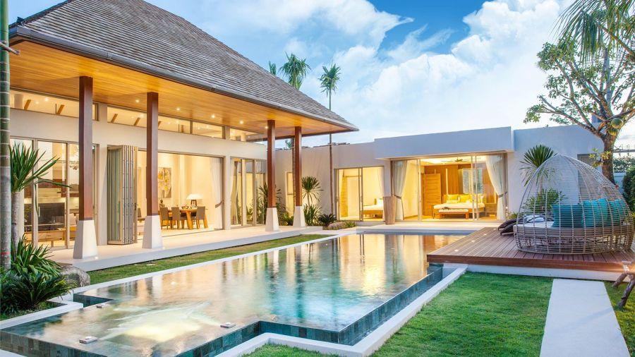 Terraza estilo oriental con piscina