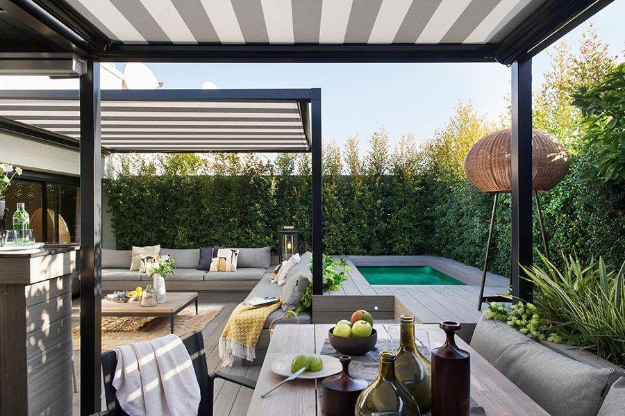 Terraza grande con piscina