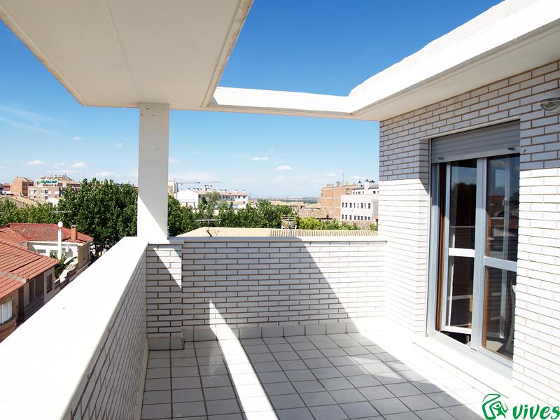 foto terraza solarium de piso en alquiler en villanueva