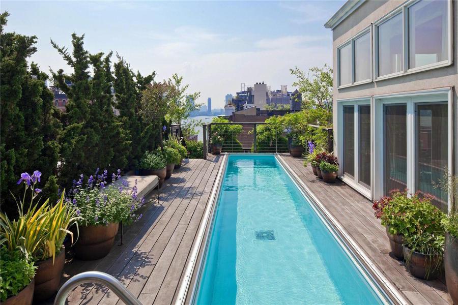 Foto piscina en terraza de un tico de miriam mart for Piscina de acrilico
