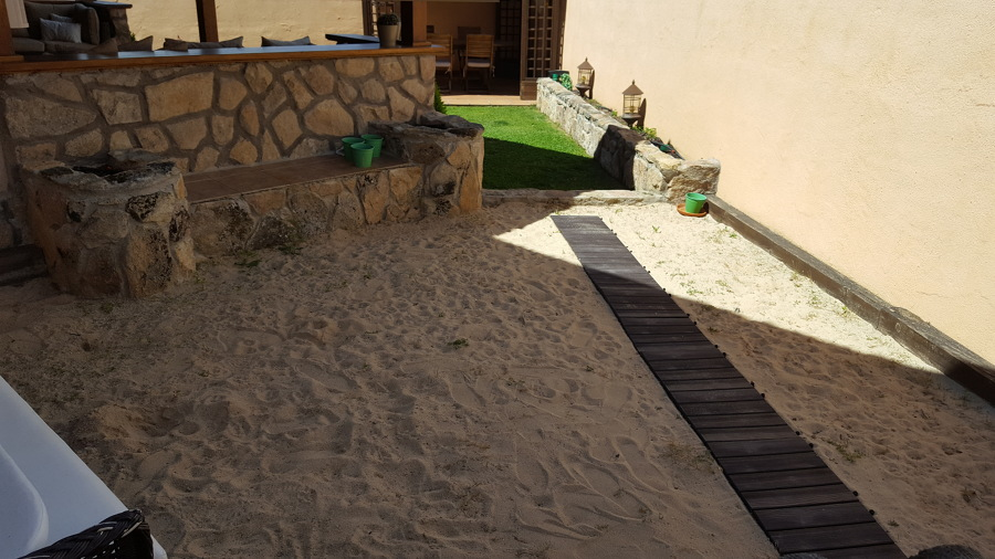 Terreno antes de la instalación del cesped