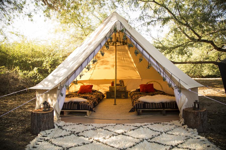 Tienda de campaña con dos camas
