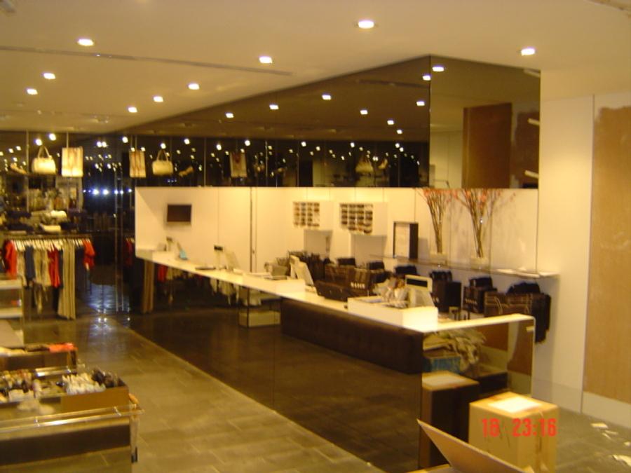 Reforma tienda conocida de moda ideas reformas locales - Eroski iluminacion ...