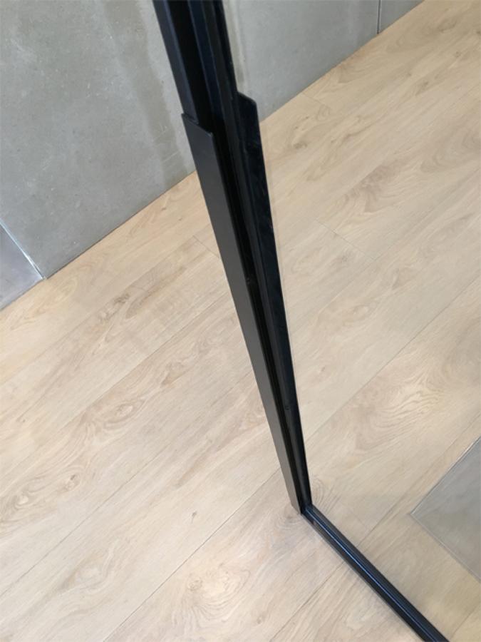 Tirador diseñado para las puertas correderas de la cocina 02