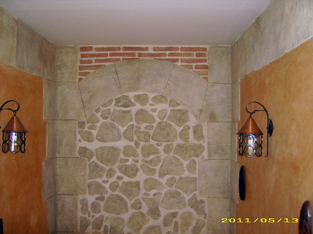 tiro de escalera en brisa con decoracion rustica de piedra y ladrillo en texturon