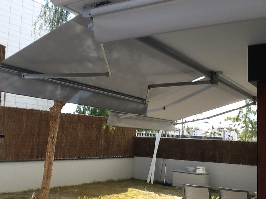 Foto toldos articulados de tendals tecnics 638355 for Toldos articulados