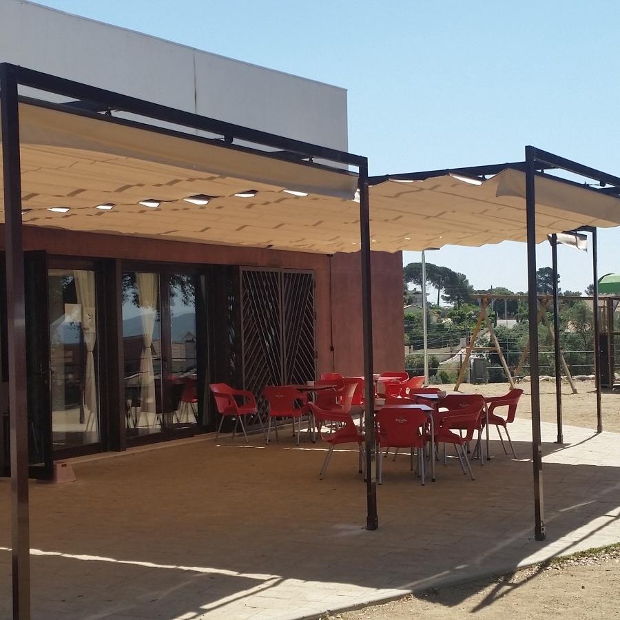 Toldos correderos en barcelona ideas carpinter a aluminio for Toldos retractiles baratos