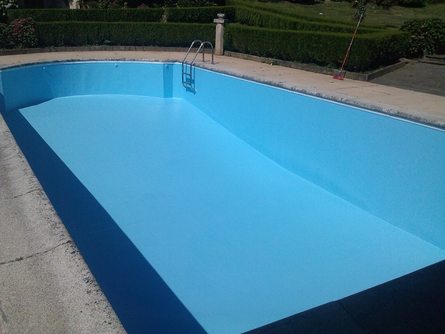 Piscina de hormig n recubierta ideas construcci n piscinas for Precio construccion piscinas hormigon