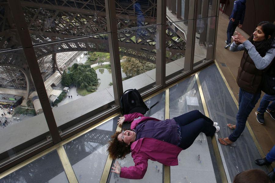 Torre-Eiffel-mirador-transparente
