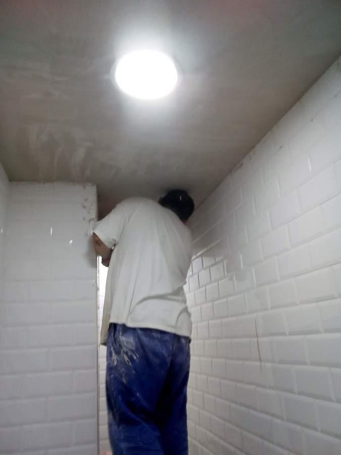 Trabajando la escayola del techo