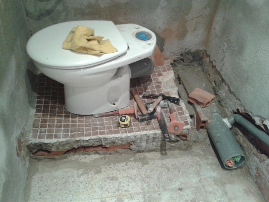 Trabajo de fontanería para desagües