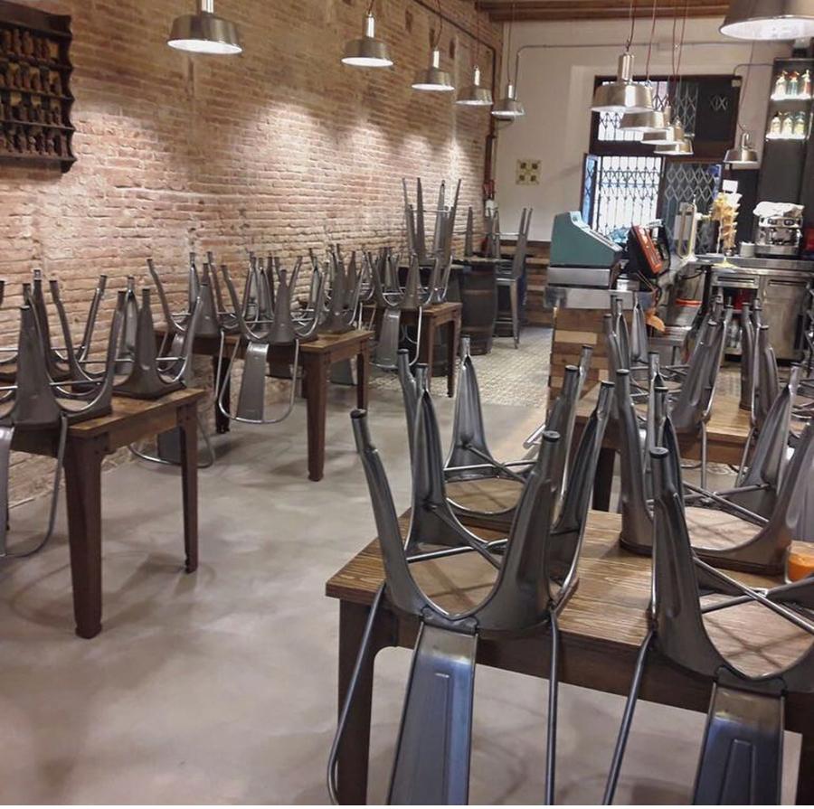Reforma restaurante en barcelona ideas pintores for Haces falta trabajo barcelona