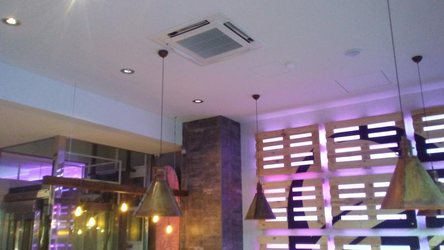 Unidad aire acondicionado de techo