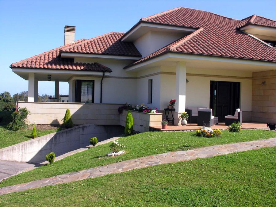 Vivienda unifamiliar aislada ideas construcci n casas for Fachadas casas unifamiliares
