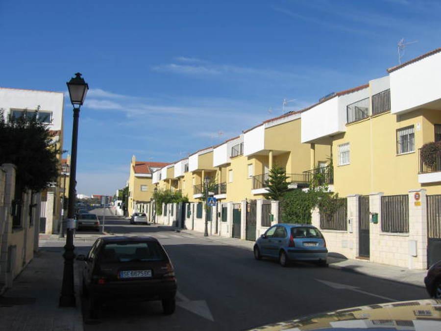Urbanización y viviendas construidas.
