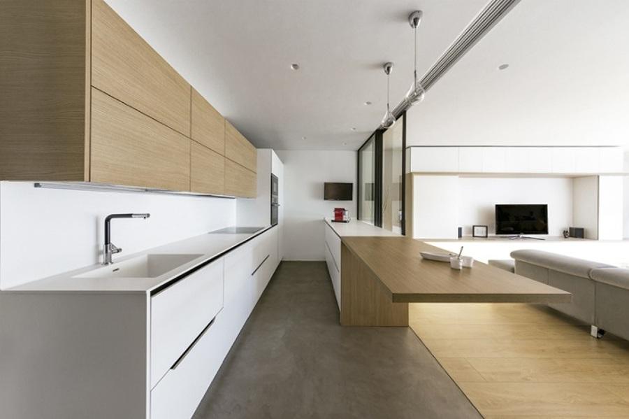 Una casa c lida como un d a de verano ideas arquitectos for Cocina separada por un techo de vidrio