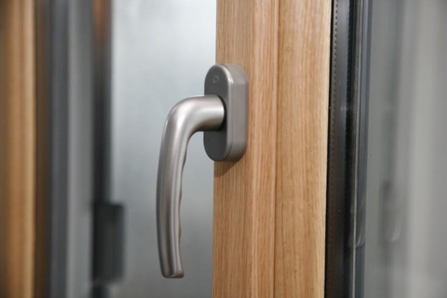 Ventana de madera interior y aluminio exterior