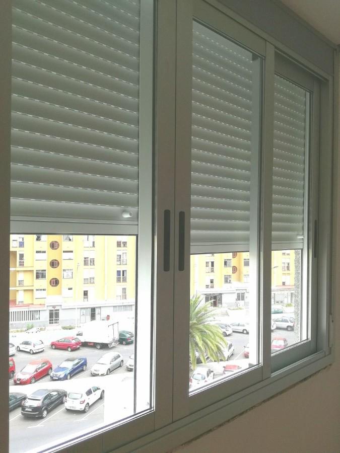 ventana y persiana de corredera