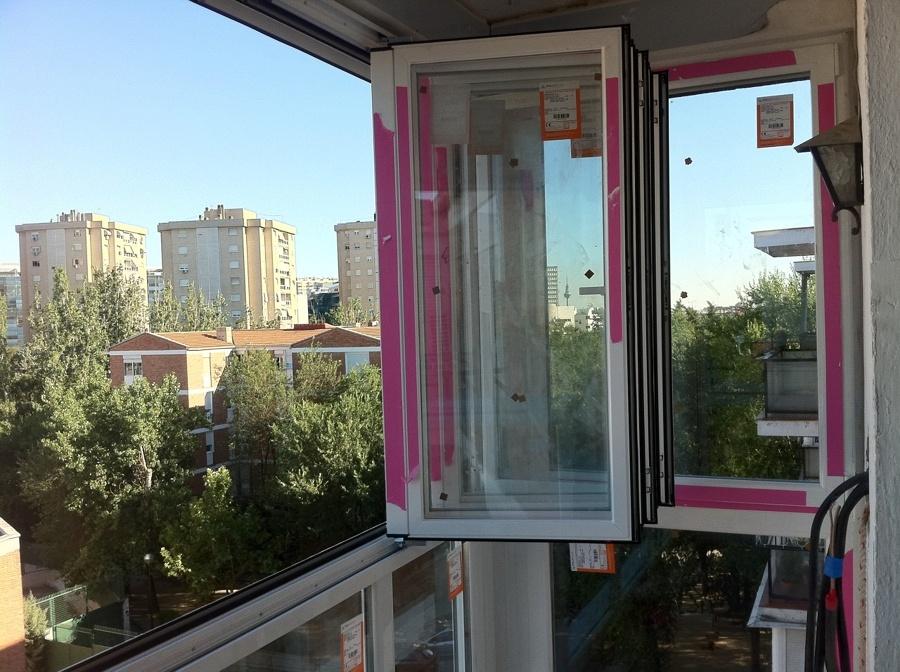 ventanas plegables en blanco