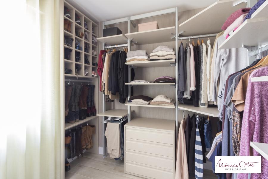 Vestidor abierto cheap cmo montar un armario vestidor for Armario zapatero a medida