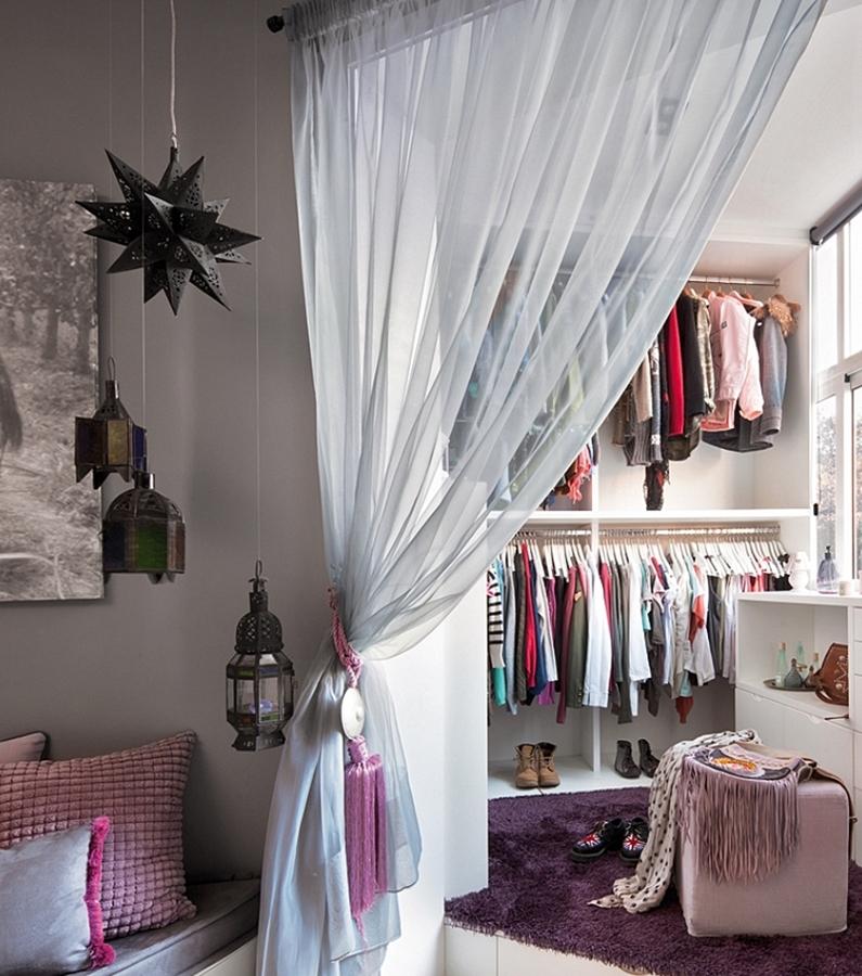 5 ideas para montar un vestidor en casa ideas decoradores for Ideas para disenar ropa