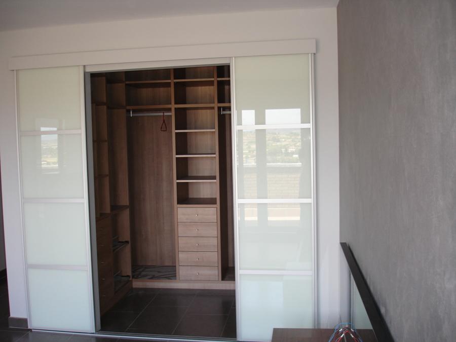 Vestidor con puerta