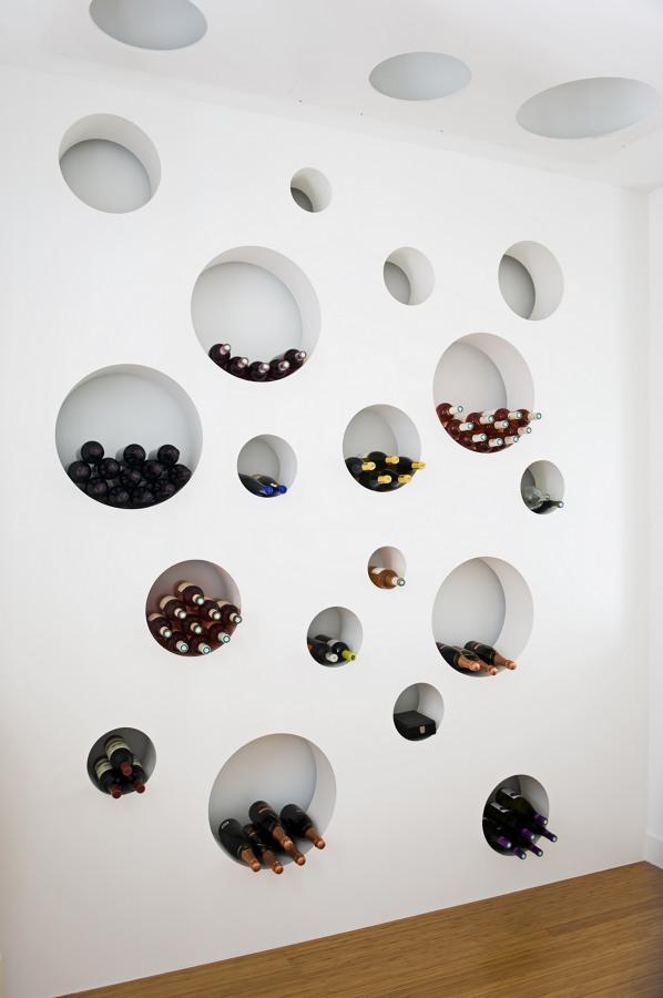 Foto vinoteca en casa moderna de raymond casanova 994183 - Vinoteca para casa ...
