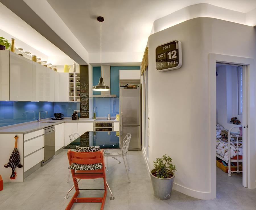 Vista 03_desde el salón hacia la cocina y la habitación 2