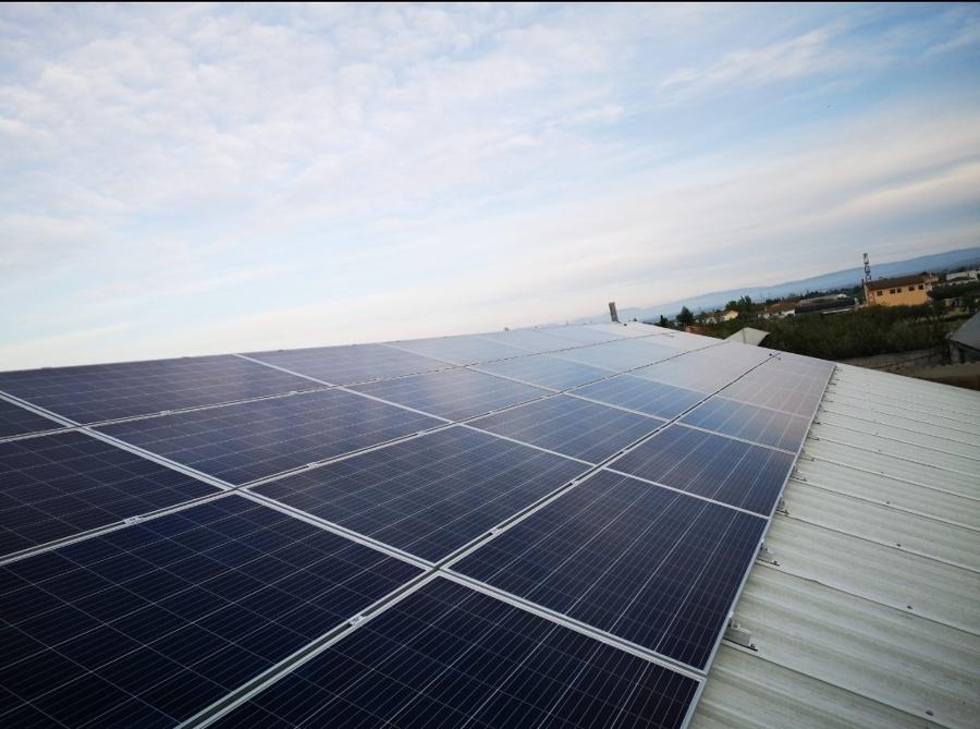 Vista campo fotovoltaico
