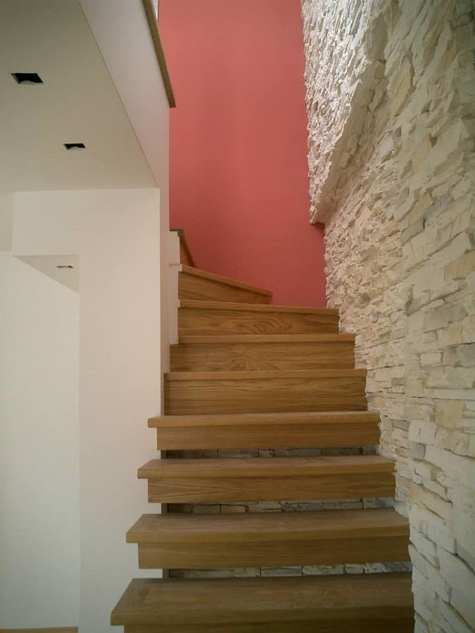 Vista de escalera de acceso a cubierta