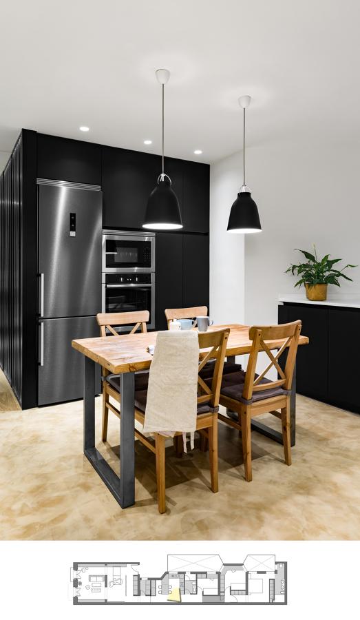 Vista de la cocina hacia la zona mobiliario alto.