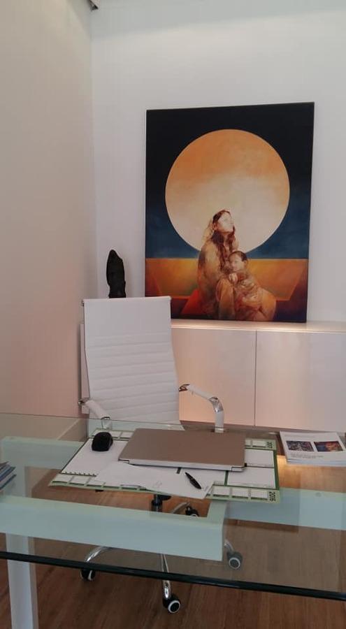 Vista de la recepción de la galería, tras la limpieza