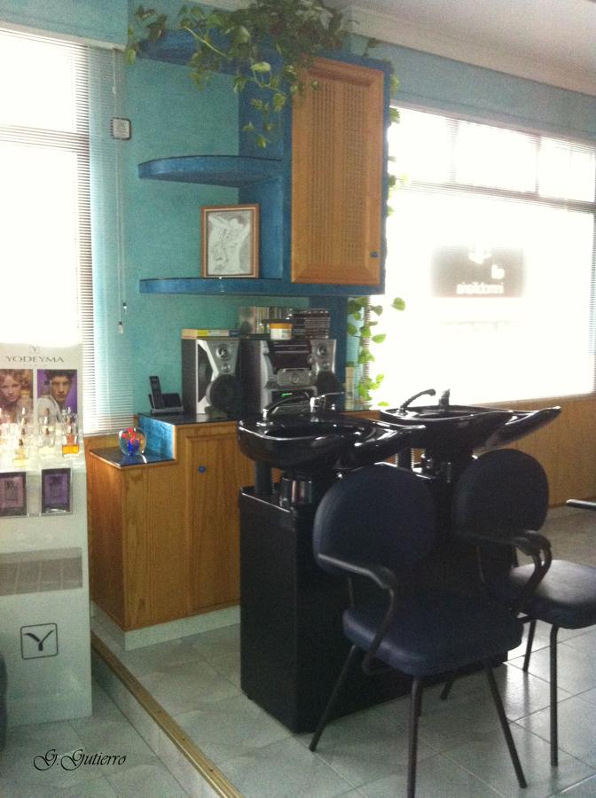 Vista de mueble lava-cabezas