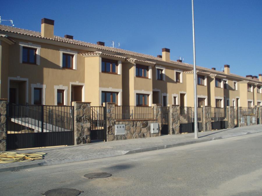 Promoci n y construcci n de 11 viviendas adosadas en vila - Arquitectos en avila ...