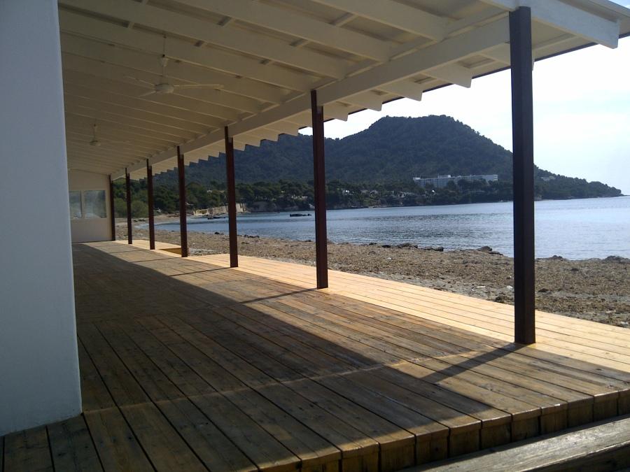vista del restaurante 1º linea playa