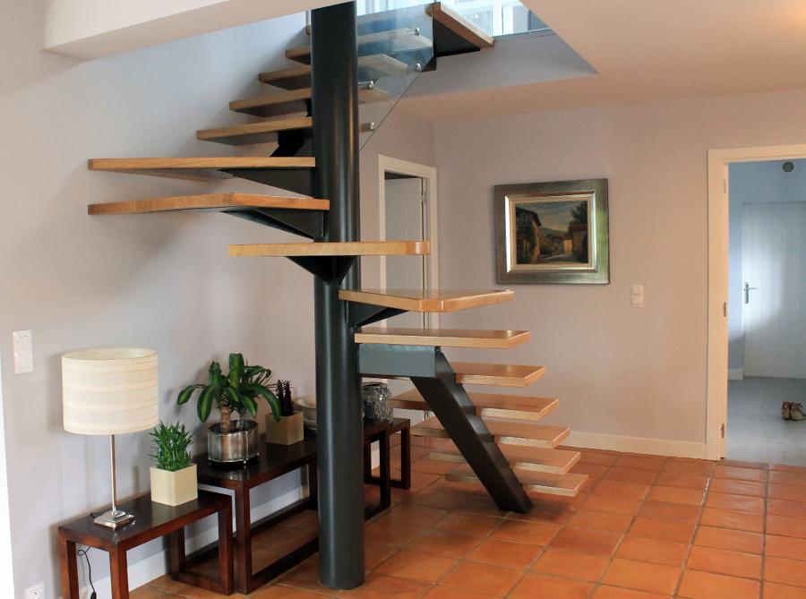 Escalera semi caracol ideas reformas viviendas Como hacer una escalera caracol
