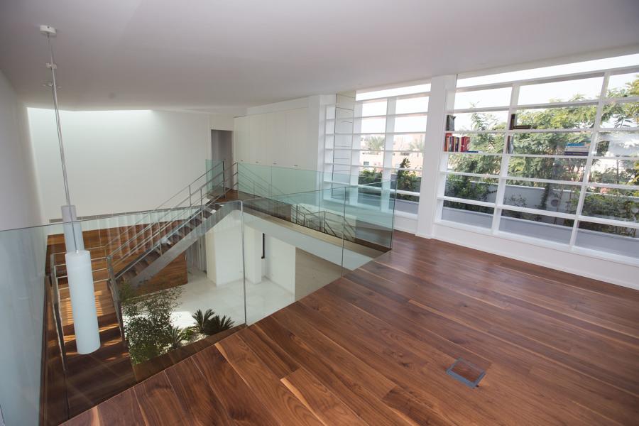 Vista desde el estudio biblioteca a doble altura