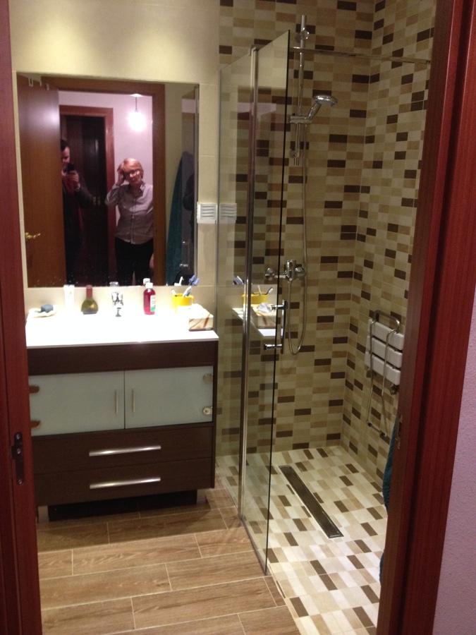 Vista ducha y mueble
