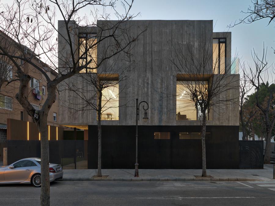 Casa concreto una vivienda de hormig n de estilo for Viviendas estilo minimalista