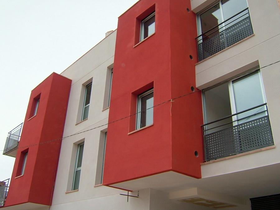 Vista frontal de edificio.