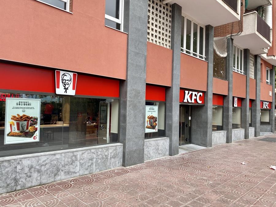 Vista Frontal KFC Meridiana Barcelona