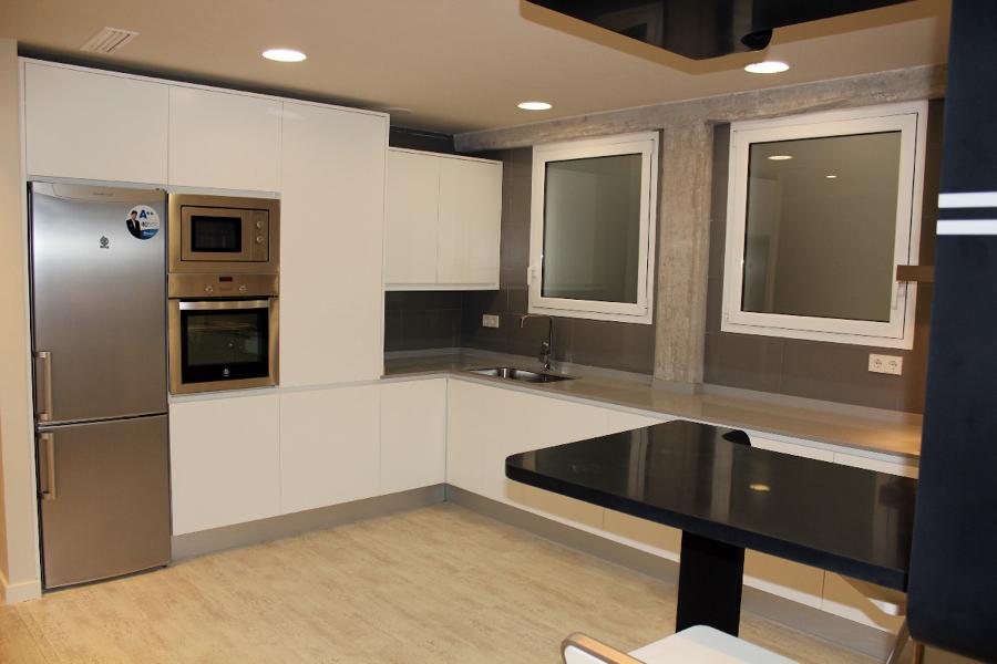 Carlos y miguel ideas reformas viviendas for Vistas de cocinas